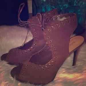 Women's heels sz 8